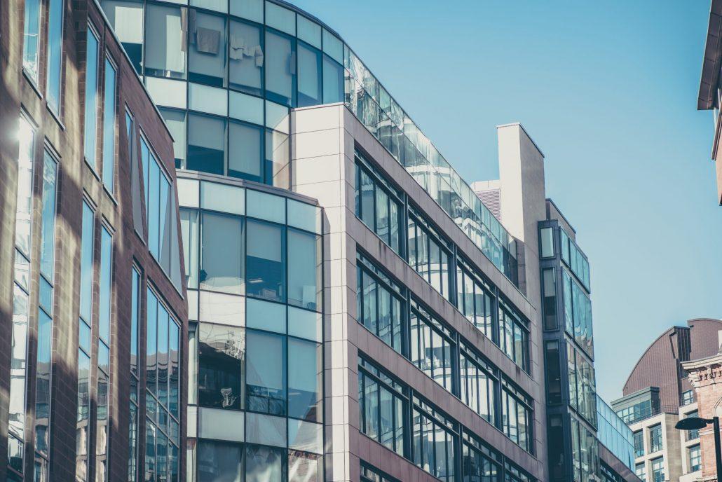 Administrativna-budova-z-lahkej-ocelovej-konstrukcie-Steelong