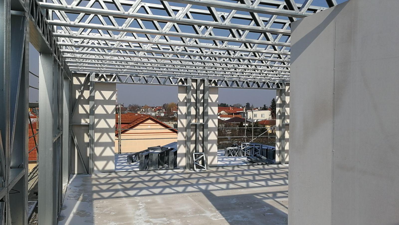Pohlad-z-poschodia-nadstavby-bytoveho-domu-z-ocelovej-konstrukcie