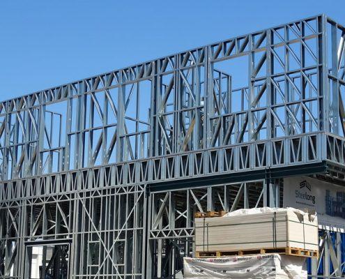 Konstrukcia-z-ocele-steelong-stavba