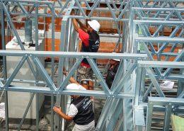 Montaz-nadstavby-lahkej-ocelovej-konstrukcie-Steelong
